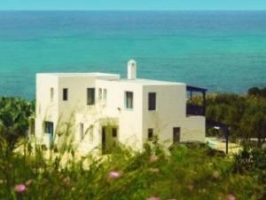 Kissonerga holiday villa rental   Paphos, Cyprus villa with pool Ref