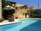 Gozo holiday farmhouse rental in Zebbug - Semi detached farmhouse in Malta