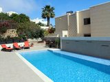 Ringway Villa with Pool/Air Cond holiday letting