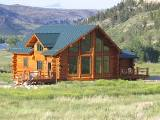 Montana cabin vacation home on Stillwater river - Beartooth log cabin in Nye