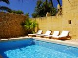 Xaghra holiday farmhouse with pool - Traditional Gozo farmhouse in Malta