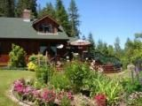 Fletcher Falls Lodge and cabin - B&B and cabin rental near Ainsworth Hot Springs