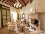 Silvignano holiday villa in Umbria - Vacation house in Spoleto hamlet of Umbria
