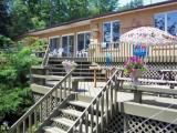 Big Rideau Lake vacation cottage in Portland - Ontario lakeside holiday home