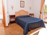 Rome self catering apartment rental - Lazio vacation apartment near Colosseum