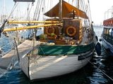 B&B holiday accommodation boat - Sitges traditional sailboat holiday