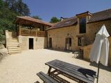 Perigord Noir holiday homes Ceou Valley - Esparoutis self catering stone houses