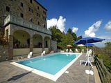 Lo Scricciolo Apartments in Tuscany from the owners direct