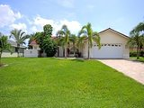Cape Coral vacation waterfront villa - Florida Gulf Coast holiday home